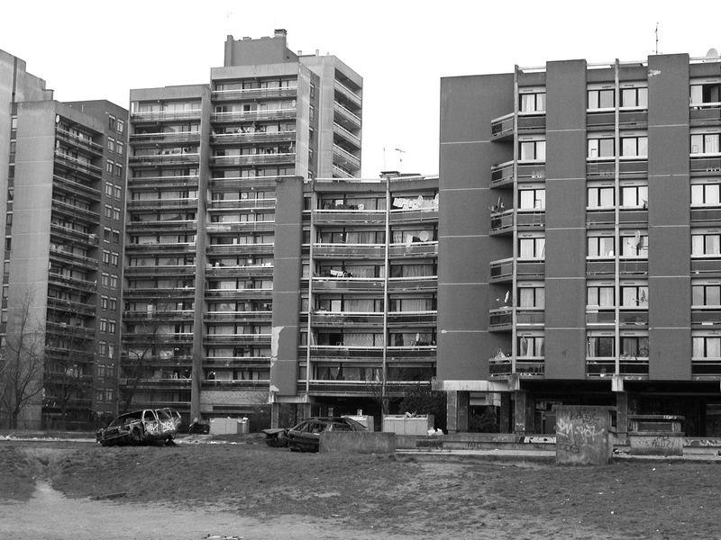 banlieue_un café pour la demoiselle Chroniques urbaines Roland Castro Lumières de la Ville Urbain