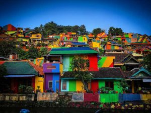 Rainbow village indonesie street art