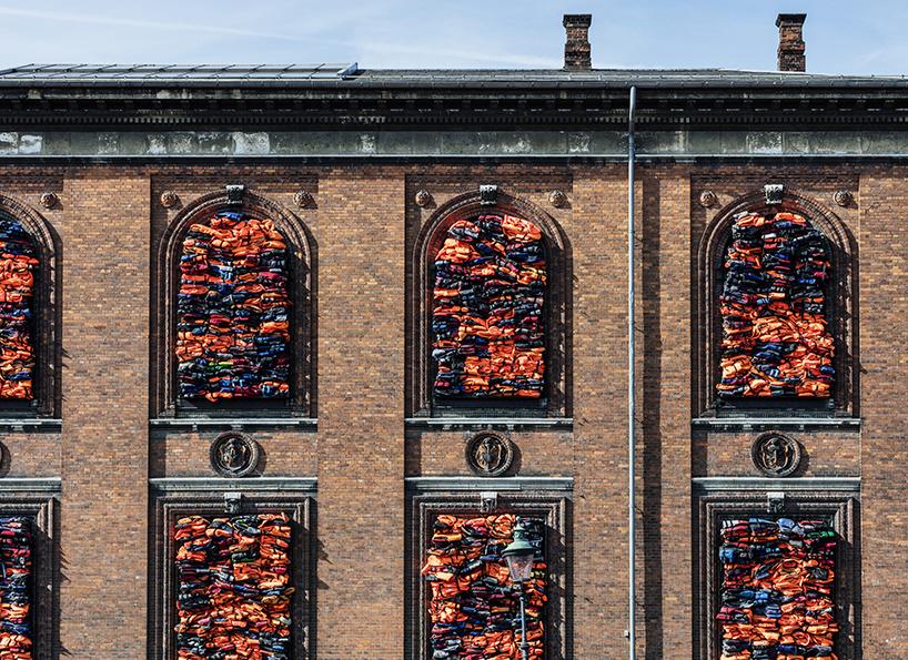 Ai Weiwei Soleil Levant Copenhague Danemark Migrant Gilet de sauvetage