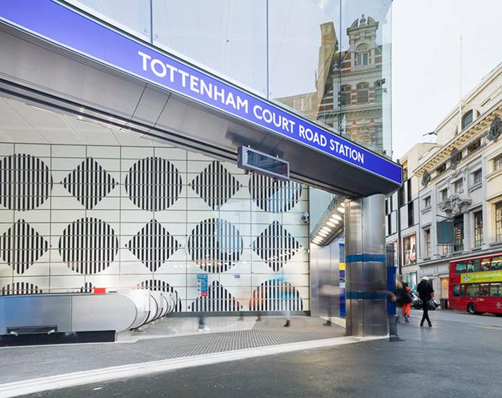 Daniel Buren Tottenham Court Road Station Londres Angleterre Brève Métro
