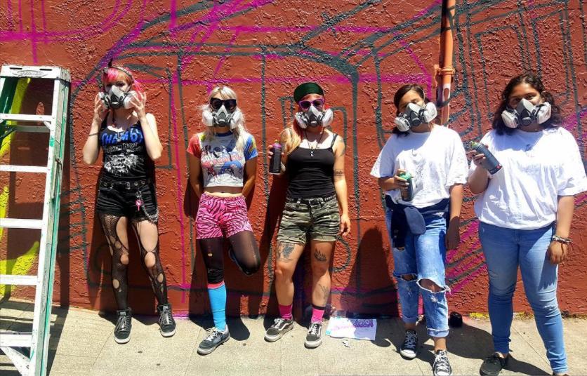 Graffiti Camp for Girl Californie Street Art Etats-Unis Groupe Fille Femme Entrainement Brève