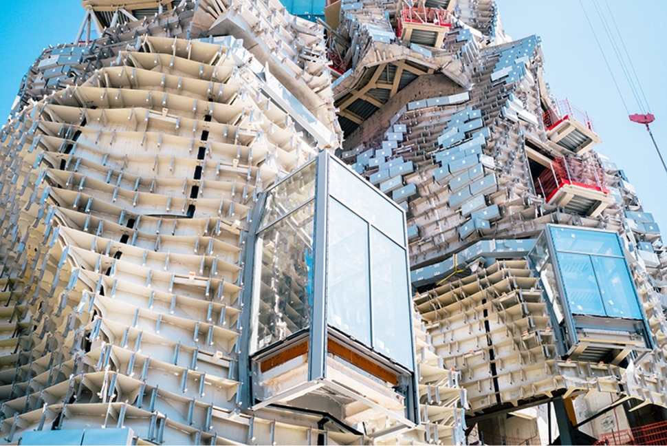 Franck Gehry COnstruction Arles Travaux France Brève