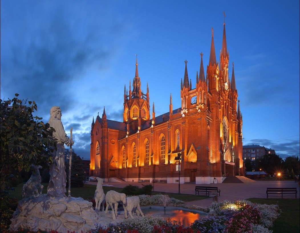 Les plus beaux lieux de culte en Russie Cath%C3%A9drale-immacul%C3%A9e-conception-moscou