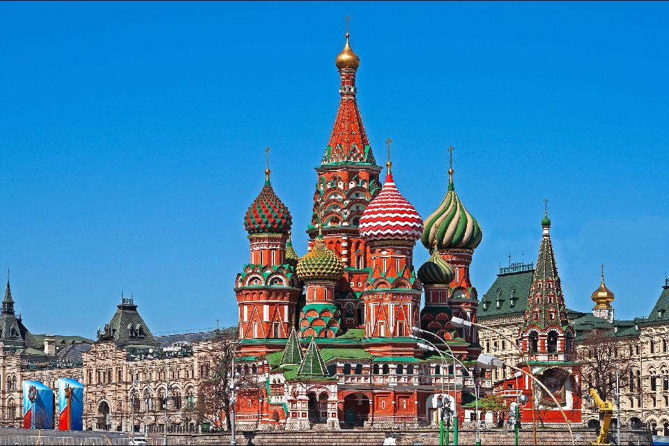 Les plus beaux lieux de culte en Russie Saint-basile-le-bienheureux-moscou